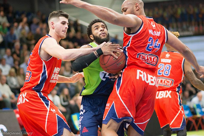 Maurice Watson Jr. bezorgt de Bossche tegenstanders kopzorgen. Foto: Marja van Tilburg.